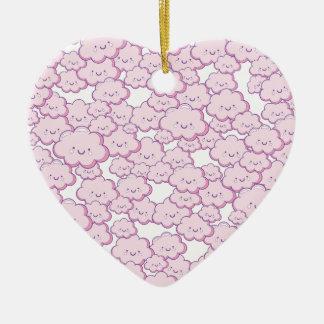 Pequeñas nubes adorno de cerámica en forma de corazón