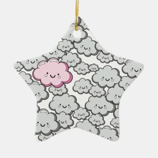 Pequeñas nubes grises adorno de cerámica en forma de estrella