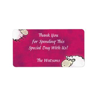 pequeñas ovejas lindas en rosa oscuro etiquetas de dirección