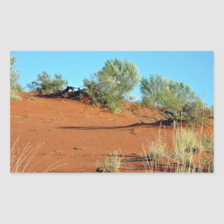 Pequeñas plantas en dunas de arena rojas rectangular pegatinas
