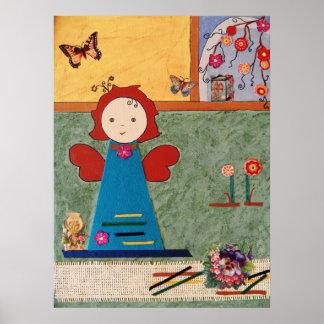pequeño ángel divertido con la mariposa azul del v póster