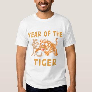 Pequeño año lindo del negro del tigre playeras