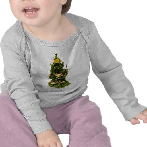 Pequeño árbol de navidad camisetas