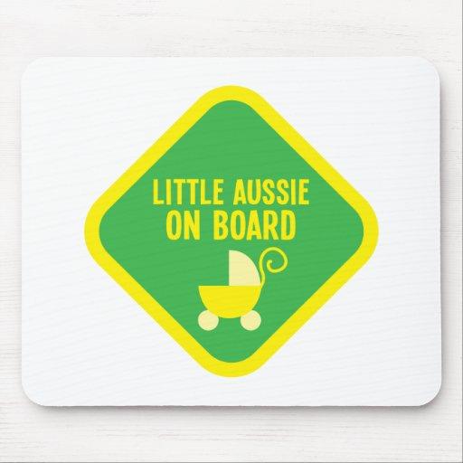 Pequeño Aussie a bordo en una muestra Tapetes De Raton