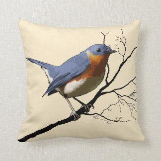 Pequeño azul del pájaro almohada de tiro