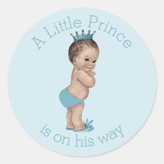 Pequeño azul del príncipe fiesta de bienvenida al pegatina redonda