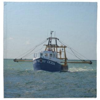 Pequeño barco de pesca azul servilleta