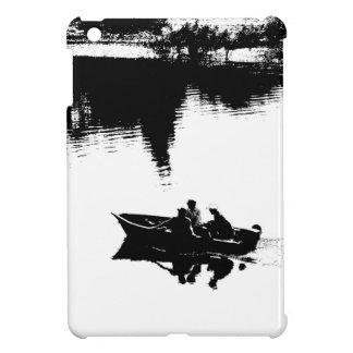 Pequeño barco de pesca en pluma y tinta