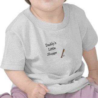 Pequeño béisbol del bateador del papá y camisa del