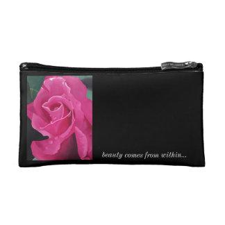 Pequeño bolso color de rosa rosado delicioso de