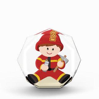 pequeño bombero del bombero