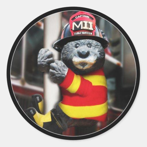 Pequeño bombero etiquetas redondas