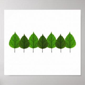 Pequeño bosque verde feliz de la hoja del árbol póster