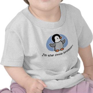 Pequeño Brother - camisetas del pingüino del bebé