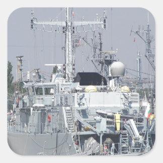 Pequeño buque de guerra pegatina cuadradas