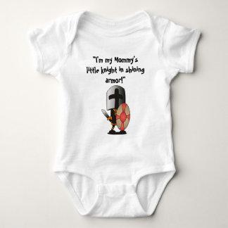 Pequeño caballero en armadura brillante body para bebé
