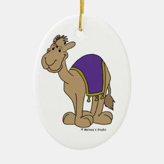 Pequeño camello adorno navideño ovalado de cerámica