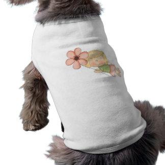 Pequeño chica de hadas con la flor ropa de perro