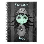 Pequeño chica gótico lindo del zombi para Hallowee Cuadernos