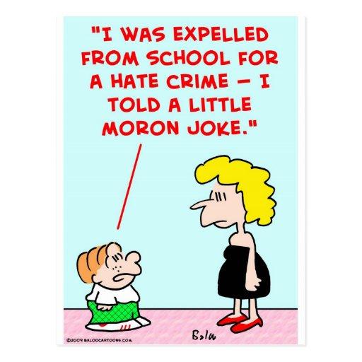 pequeño chiste expulsado del Imbécil de la escuela Tarjetas Postales