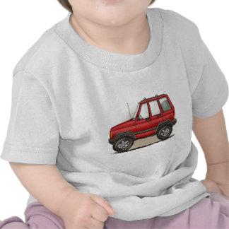 Pequeño coche de cuatro ruedas de SUV Camisetas