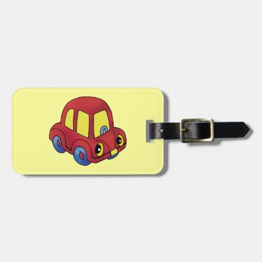 pequeño coche rojo lindo etiquetas de maletas
