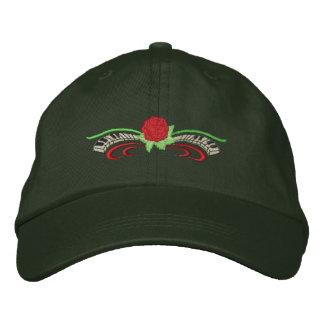 Pequeño color de rosa con el teclado gorra bordada