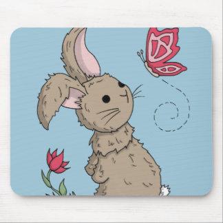 Pequeño conejito de la primavera de Brown Tapete De Ratón