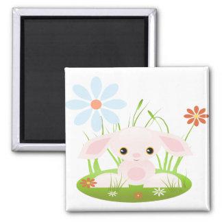 Pequeño conejito rosado del bebé con las flores imán cuadrado