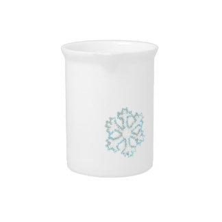 Pequeño copo de nieve de la gota a añadir a sus fo jarra para bebida