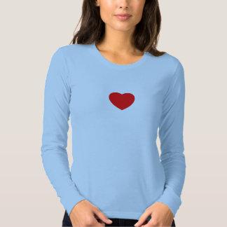 pequeño corazón rojo camisas