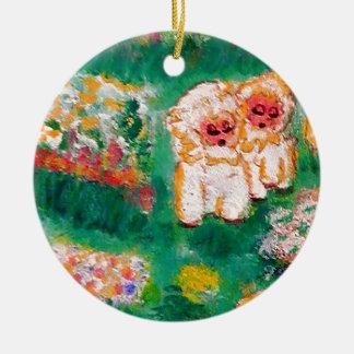 Pequeño cordero que juega en el diseñador de las adorno navideño redondo de cerámica