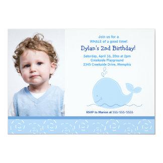 """Pequeño cumpleaños 5x7 del *PHOTO* de la ballena Invitación 5"""" X 7"""""""