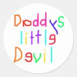 Pequeño diablo de Daddys Etiqueta Redonda