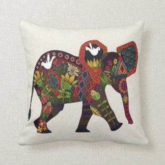 pequeño elefante almohadas
