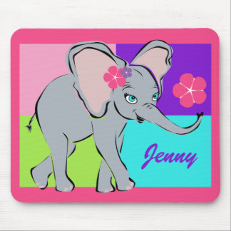 Pequeño elefante lindo mouse pads