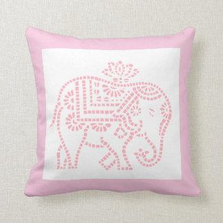 Pequeño elefante rosado cojín