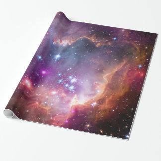 Pequeño espacio de la galaxia de la nube de papel de regalo