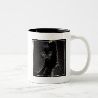 Pequeño gatito negro taza de dos tonos