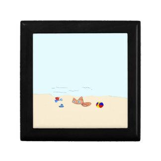 Pequeño gato en la playa cajas de joyas