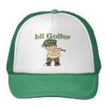 Pequeño golfista que juega a golf gorros bordados