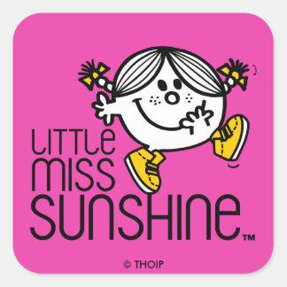 Pequeño gráfico de Srta. Sunshine Walking On Name Pegatina Cuadrada