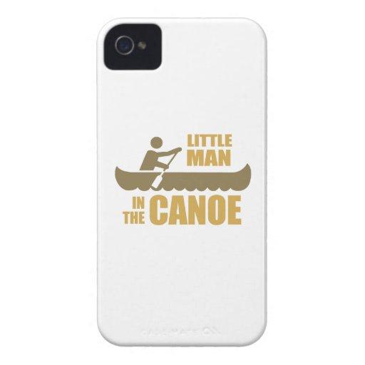 Pequeño hombre en la canoa iPhone 4 Case-Mate protector