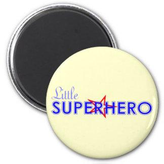 Pequeño imán del super héroe