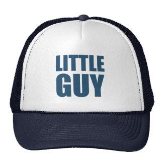 Pequeño individuo gorra