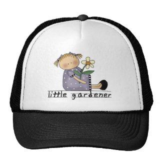 Pequeño jardinero gorras de camionero