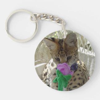 Pequeño Louie - el botón del gatito del serval Llavero Redondo Acrílico A Una Cara