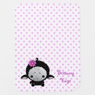 Pequeño lunar negro del rosa del cordero personali manta de bebé
