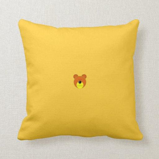 pequeño más del más del oso en la pequeña almohada
