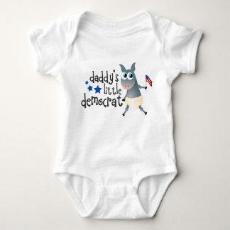 Pequeño mono de Demócrata del papá T-shirt